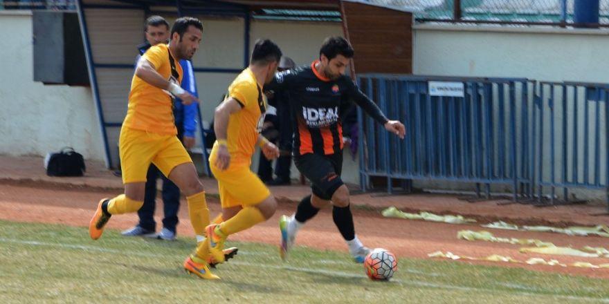 Korkuteli Belediyespor, Finike Belediyespor'u 2-0 yendi
