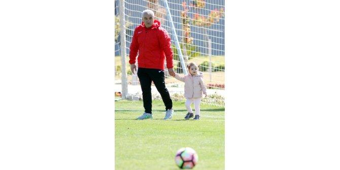 Evkur Yeni Malatyaspor, Çalımbay'ı ikna için seferber oldu