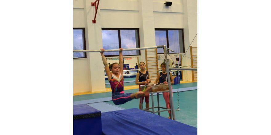 Geleceğin jimnastikçileri Nilüfer'de yetişiyor