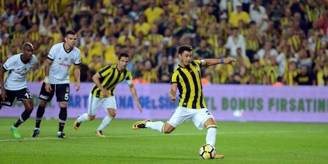 Süper Lig: Fenerbahçe: 1 - Beşiktaş: 0 (İlk yarı)