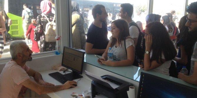 Büyükşehir'den 17 bin 500 öğrenciye kent kart