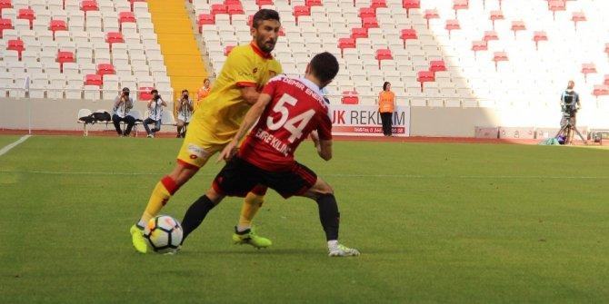 Süper Lig: D.G Sivasspor: 1 - Göztepe: 2 (İlk yarı)