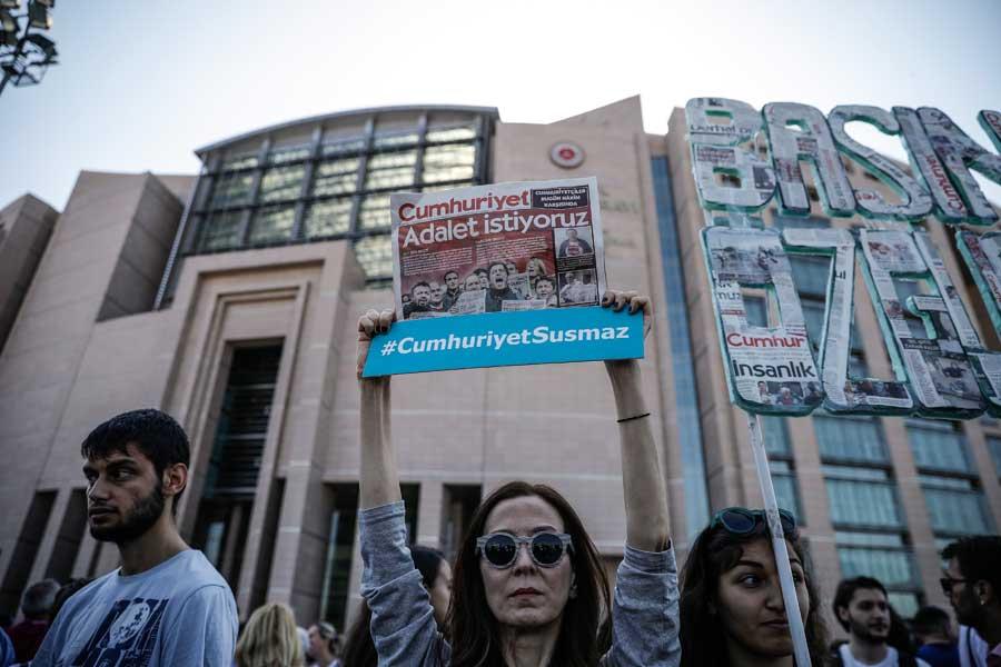 Cumhuriyet Gazetesi davası devam ediyor: Gözler kararda