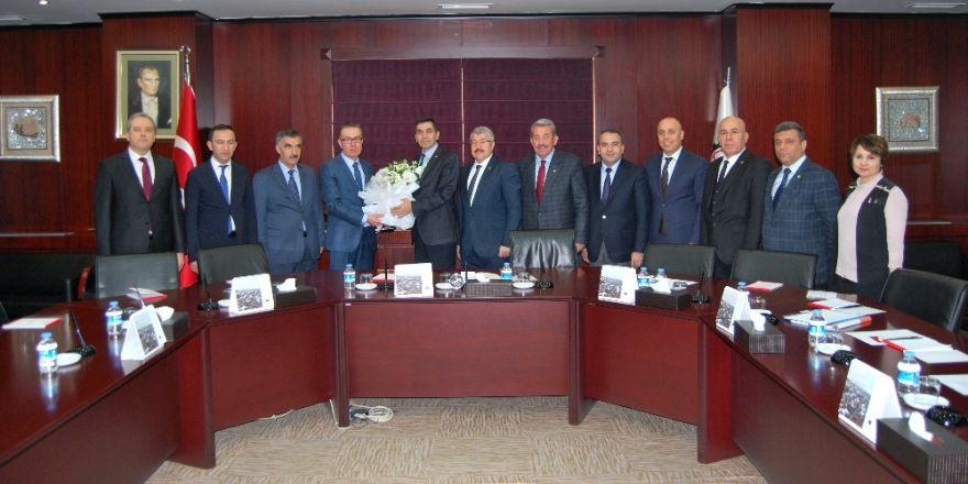 Vergi Dairesi Başkanı Halil Tekin, GTO'yu ziyaret etti