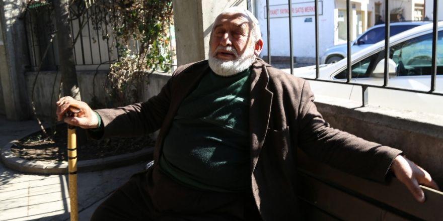Artvinli halk ozanı Aşık Gülhani'nin 10 yıllık hac rüyası gerçek oluyor
