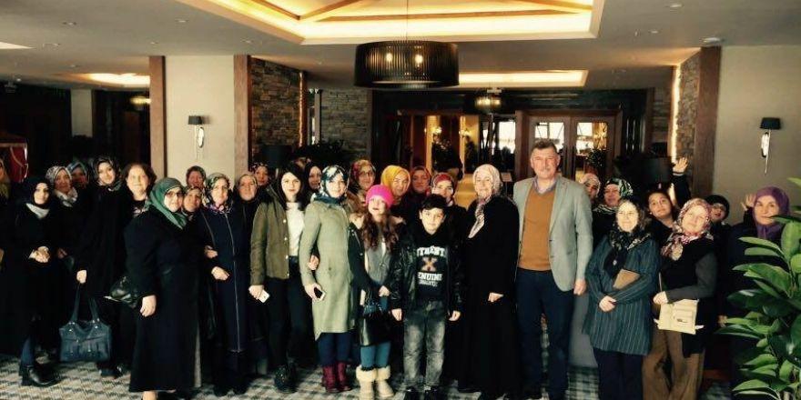 Vezirhanlı kadınlar Başkan Duymuş'la Bursa'da gezdi