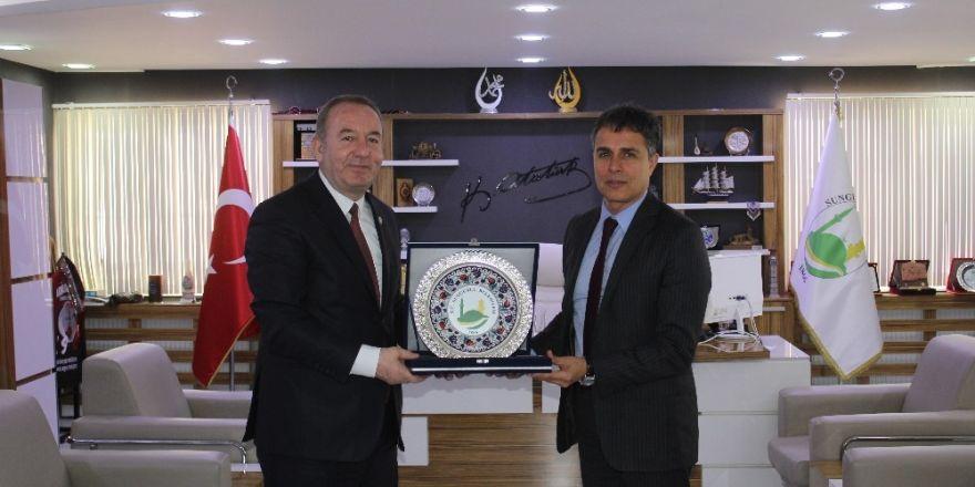 Tural'dan Başkan Şahiner'e ziyaret