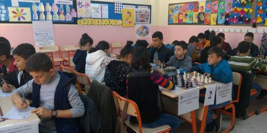 Okullar Arası Satranç Turnuvasında şampiyonlar belli oldu