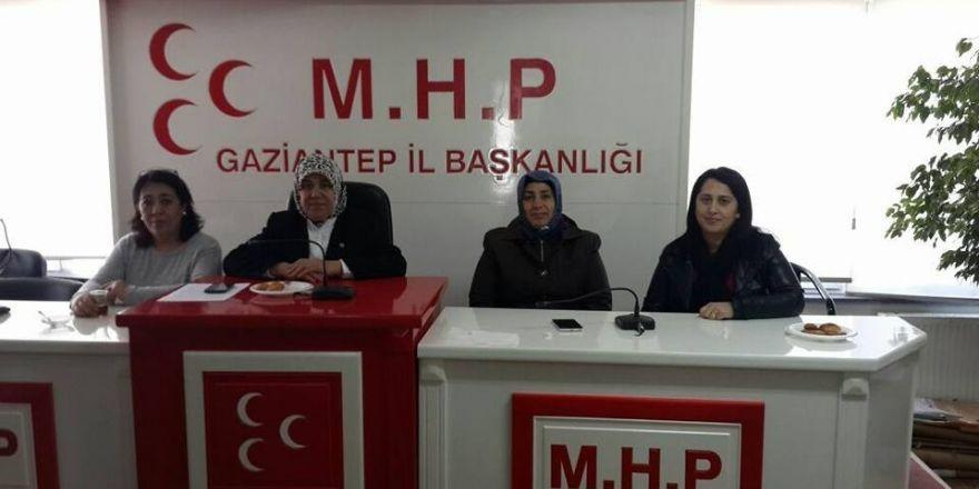 MHP'li kadınlar 'evet' için toplandı