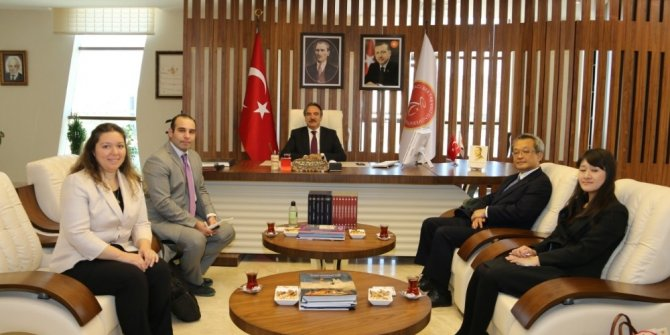 Japon Büyükelçisi Nakamura Rektör Prof. Dr. Bağlı'yı ziyaret etti