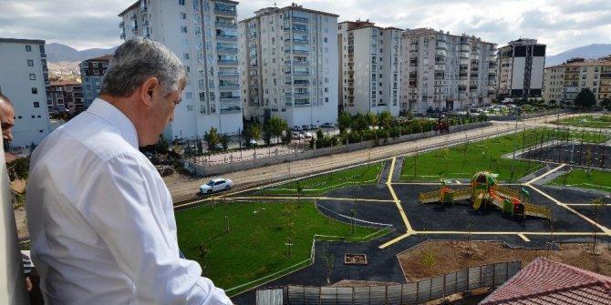Yeşilyurt Belediye Başkanı Hacı Uğur Polat'tan parklara inceleme