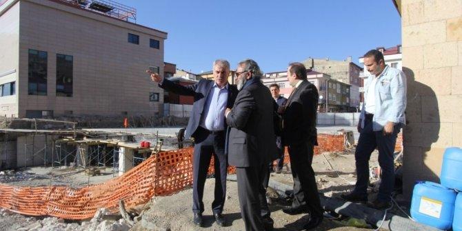 Vali Pehlivan ve Başkan Memiş Kent Meydanı ve Kapalı Otopark projesini inceledi