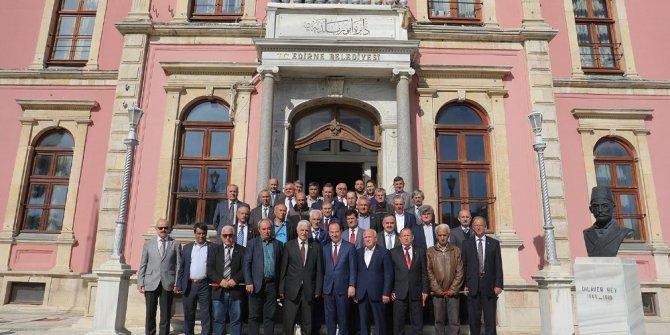 Muhtarlardan Edirne Belediyesi'nde biraraya geldi