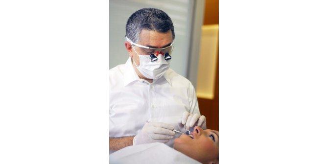 Diş eksikliği problemi özgüveni etkiliyor