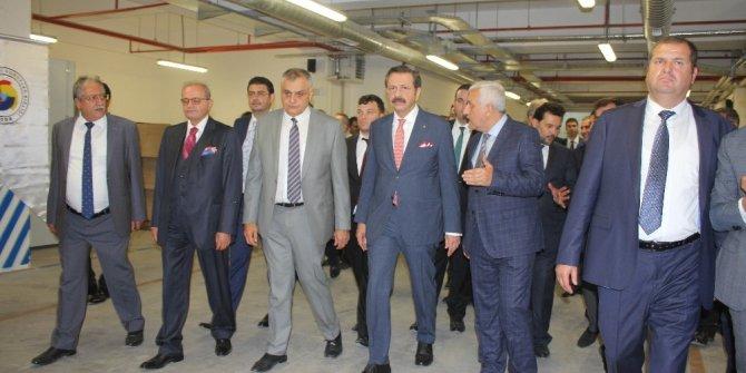 """TOBB Başkanı Hisarcıklıoğlu: """"Türkiye'de toplam 19 tane AB İş Geliştirme Merkezimiz var"""""""