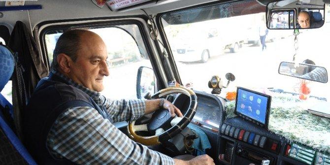 Minibüsçüden yolcu otobüsü gibi hizmet