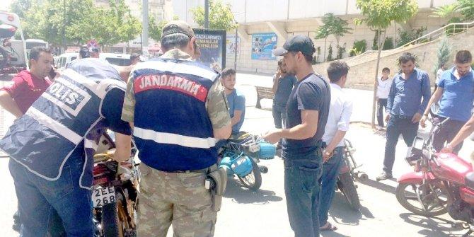 Batman'da 43 motosiklet ve 16 şahsa 70 bin 960 TL para cezası kesildi