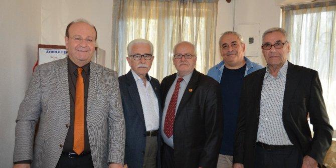 Başkan Özakcan, Köprülü - Veysi Paşa Mahallesi aşure hayrına katıldı