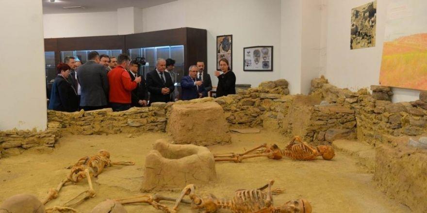 Vali Ahmet H. Nayir: Kütahya ilklerin şehri