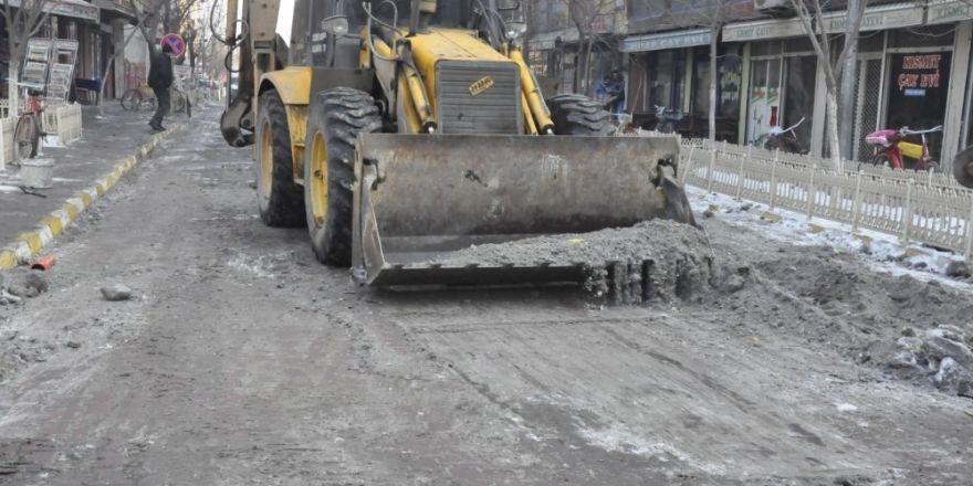 Iğdır Belediyesi kar temizleme çalışması