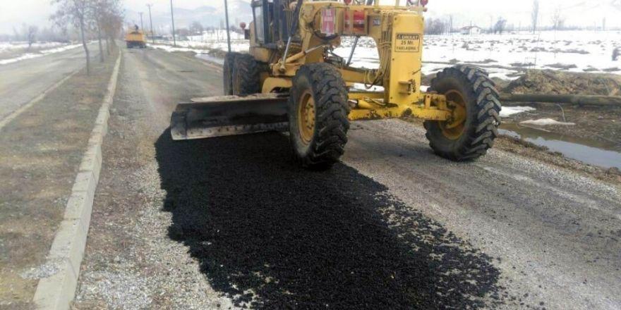 Seydişehir'de tahrip olan yollar onarılıyor