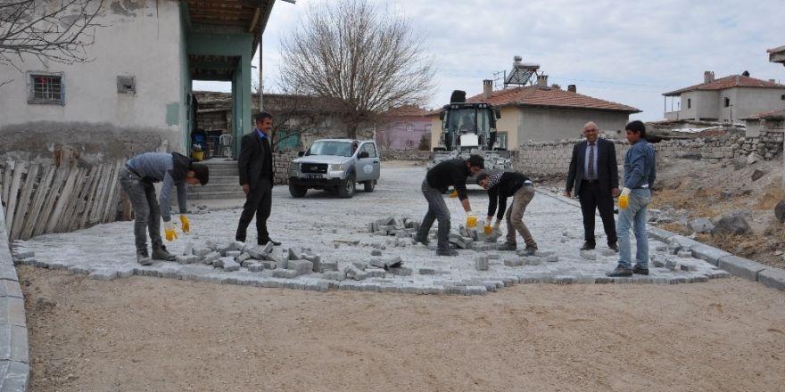 Sindelhöyük Mahallesinde yol ve temizlik çalışmaları