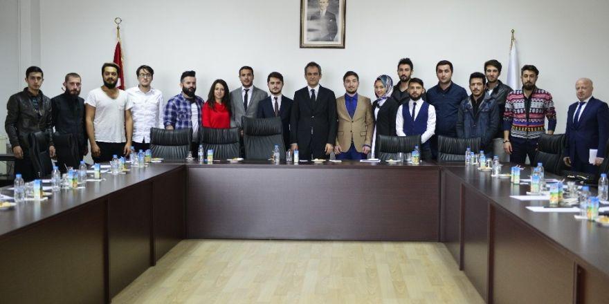 Rektör Özer, öğrenci konseyi ve öğrenci temsilcileriyle buluştu