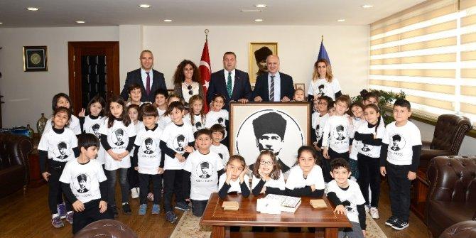 Mersin Çocuk Üniversitesi'nde çocuklar öğrenmeyi öğreniyor