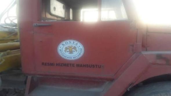 Rakka'da görüntülenen kamyondaki Konya Belediyesi yazısı ortalığı karıştırdı