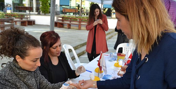 Pendik Belediyesi'nden Dünya Diyabet gününde ücretsiz şeker ölçümü