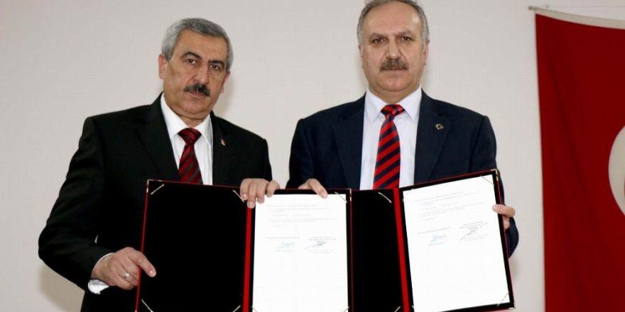 Sivas'ta Halk Edebiyatı okullarda yaşatılacak