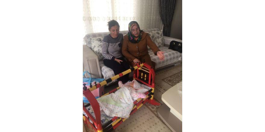 Hoş Geldin Bebek ekibi, Körfez'de ailelerin evlerine konuk oluyor