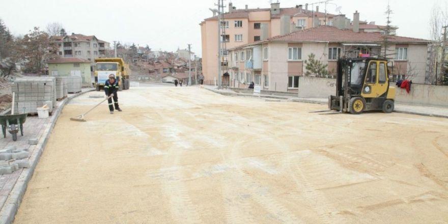 Odunpazarı Belediyesi Karapınar'a hizmet etmeye devam ediyor