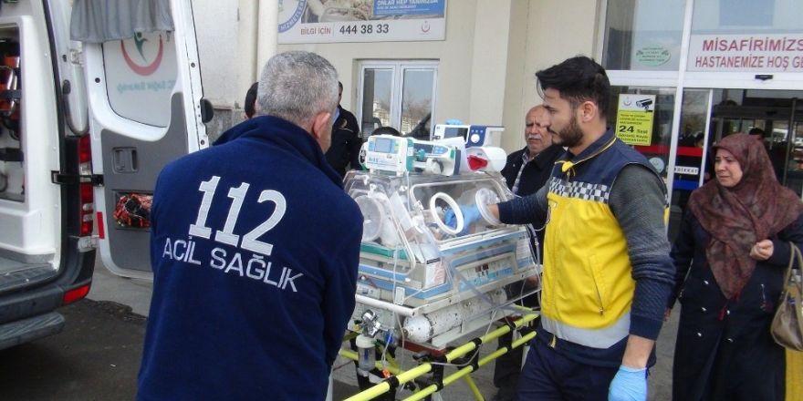 Kalp hastası bebeğe ambulans uçak