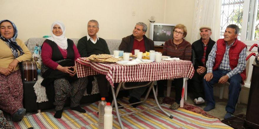 Başkan Tarhan, köylü kadınların konuk oldu