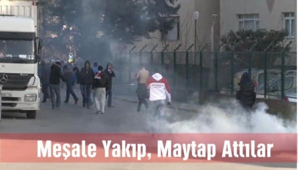Pendikspor - Gaziosmanpaşa maçı sonrası taşkınlık yapan taraftar gruplarına polis müdehale etti.