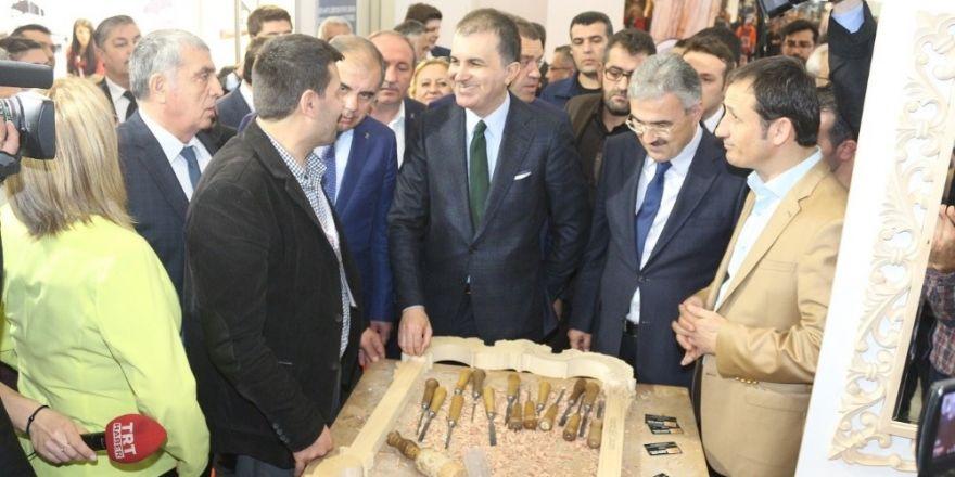AB Bakanı Çelik MODEKO Fuarını ziyaret etti