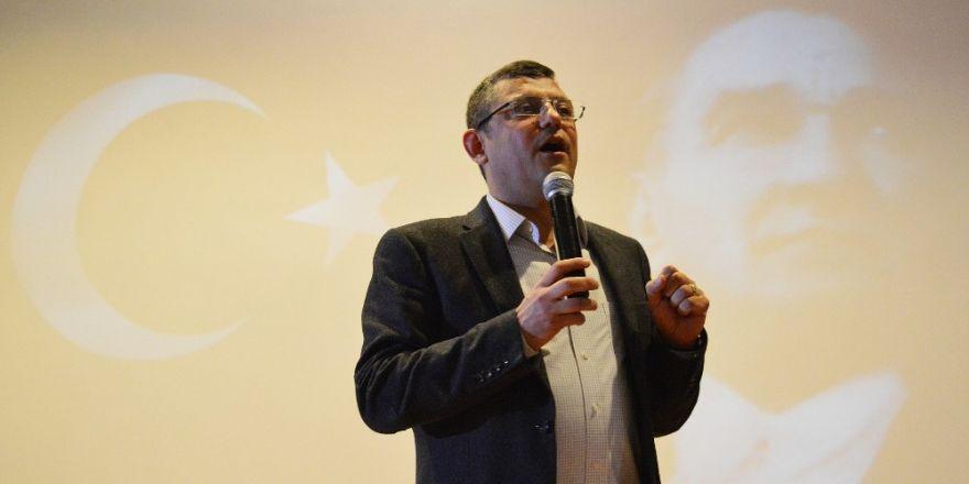 CHP'li Özel'den Bakan Çavuşoğlu'nun açıklamasına tepki