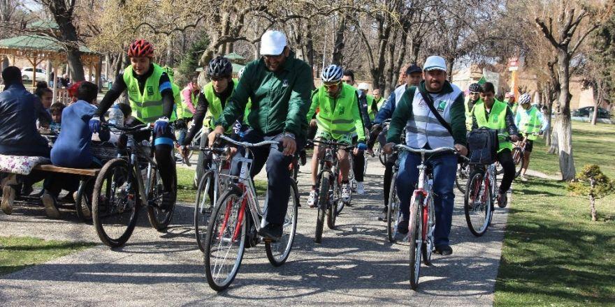 Sağlıklı yaşama dikkat çekmek adına Yeşilay'dan 'Bisiklet Turu' etkinliği