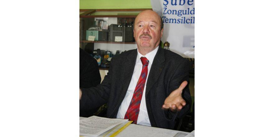 Zehir zemberek sözlerle CHP'den istifa etti