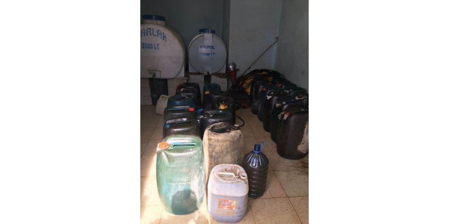 Hakkari'de 2 bin 600 litre kaçak akaryakıt ele geçirildi