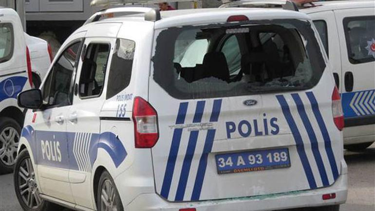 İstanbulda Hareketli Dakikalar | Müdahale Eden Polise Taşla Saldırdılar
