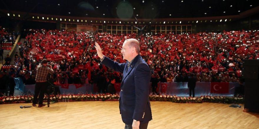 """Cumhurbaşkanı Erdoğan: """"Ben istersem gelirim, kapıdan da sokmadığınız zaman dünyayı ayağa kaldırırım"""""""