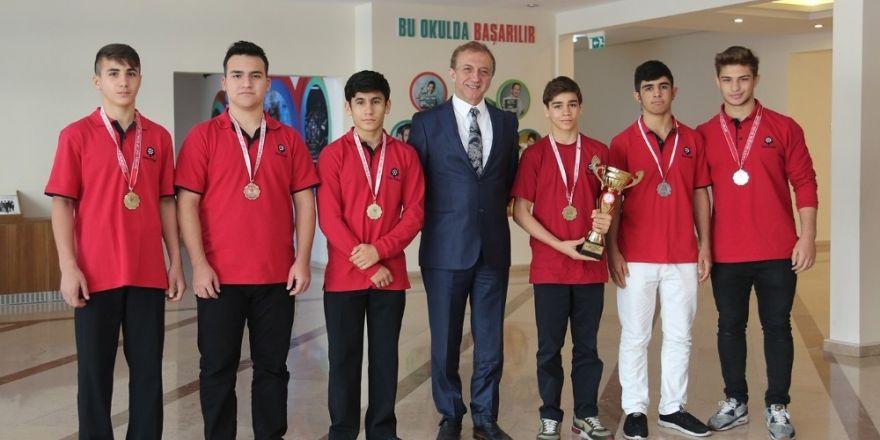 İhlas Koleji Güreş Takımı Marmara Bölge Şampiyonu