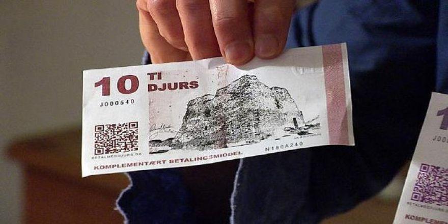 Danimarka'da bir ada kendi parasını bastı