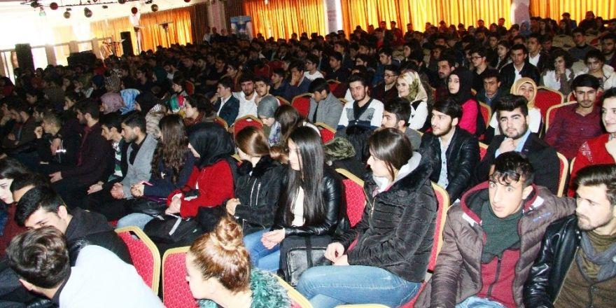 Kavram'dan YGS öncesi öğrencilere moral semineri