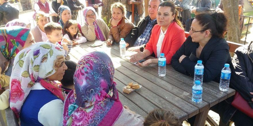 Milletvekili Hürriyet Kandıra'nın köylerini ziyaret etti