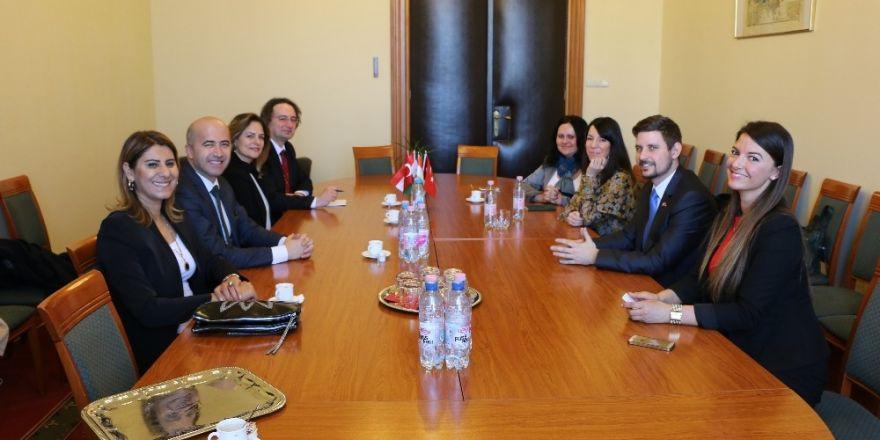 Karşıyaka Belediyesi heyeti, Macaristan Parlamentosu'nda