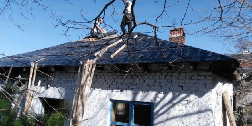 Kuyucak Mahallesinde köy kahvehanesi çalışması yapılıyor