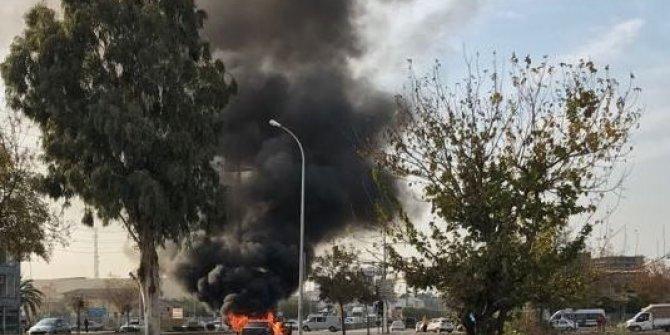 Hareket halindeki otomobil yandı